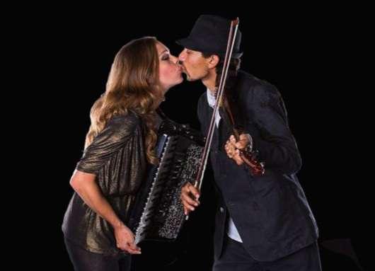 faith-branko-kissing1